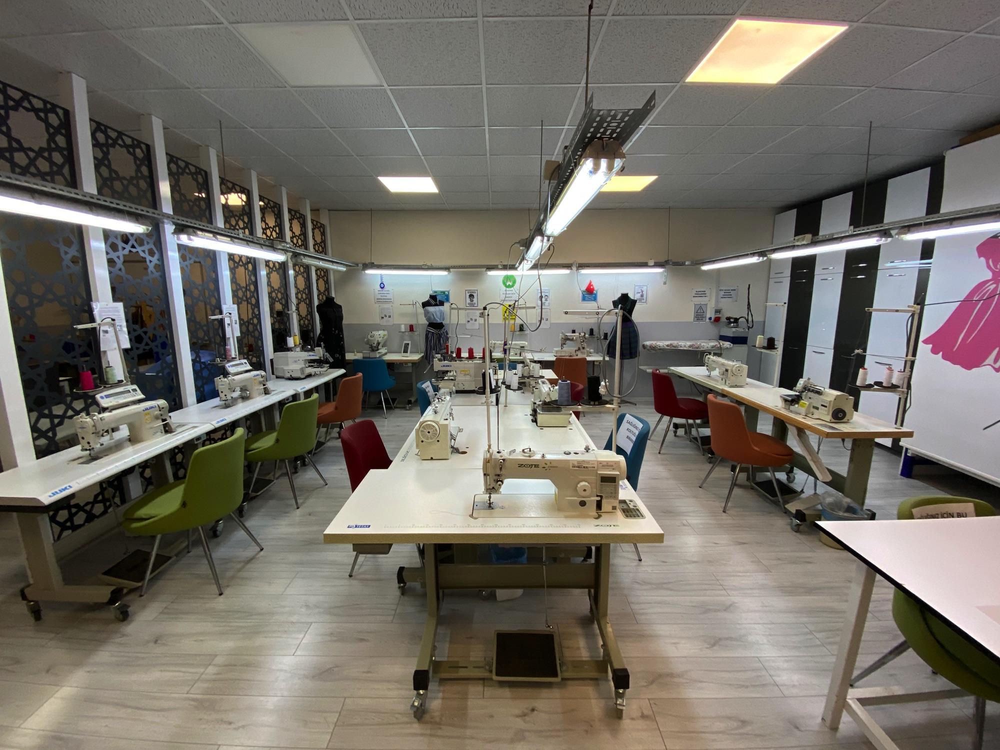 Konak Özel Eğitim Meslek Okulu Giyim Üretim Teknolojileri Atölyesi